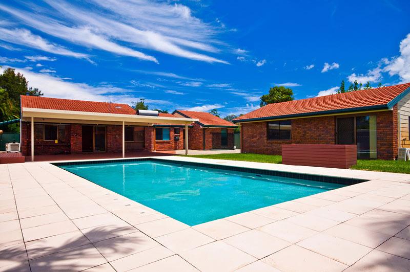 Ein ferienhaus mit pool in holland mieten ferienhaus holland for Haus mieten privat