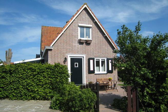 ferienhaus ijsselmeer 2 personen marken ferienhaus holland. Black Bedroom Furniture Sets. Home Design Ideas