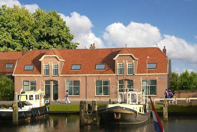 ferienhaus am strand holland enkhuizen 12 personen ferienhaus holland. Black Bedroom Furniture Sets. Home Design Ideas