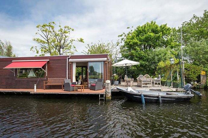 ferienhaus mit boot holland haarlem 6 personen ferienhaus holland. Black Bedroom Furniture Sets. Home Design Ideas