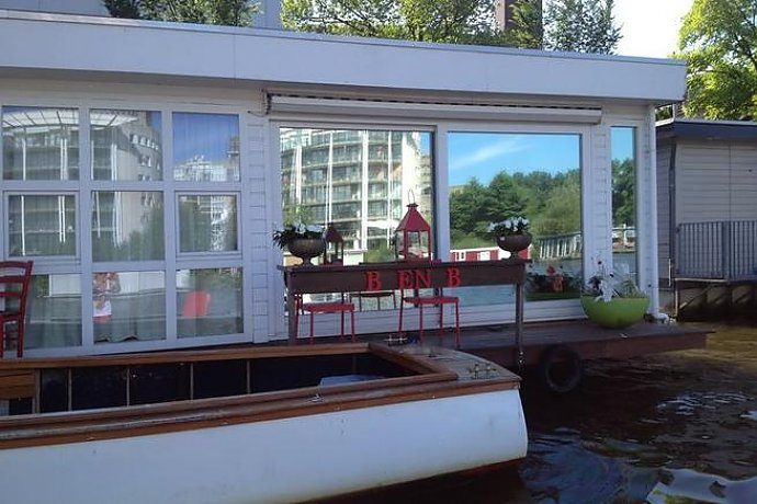 hausboot holland 2 personen amsterdam 22 qm ferienhaus holland. Black Bedroom Furniture Sets. Home Design Ideas